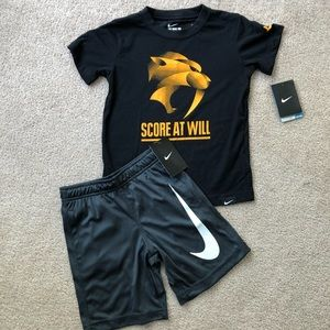 Boys size 6 Nike Outfit NWT